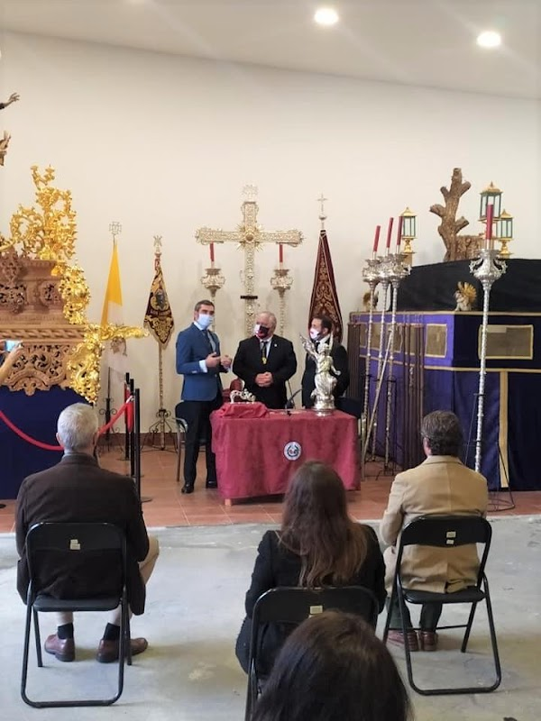 'Los Estudiantes' de Oviedo, adquiere el paso de la Virgen de Loreto de Jerez