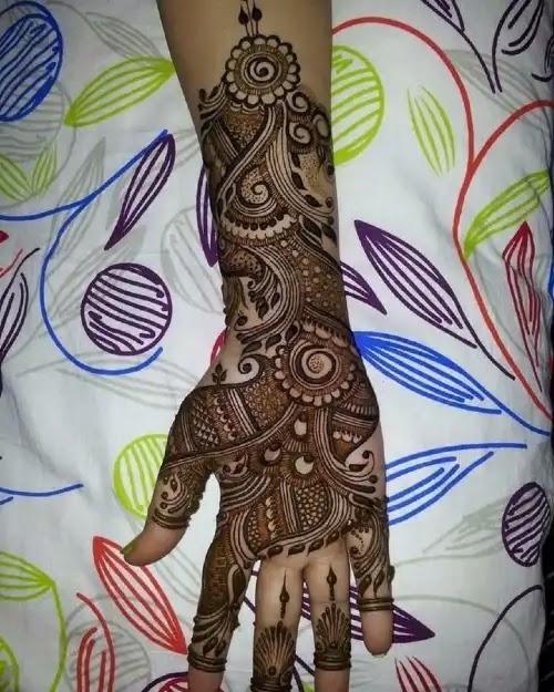full-hands-mehndi-design-for-girls-for-one-back-hand-side