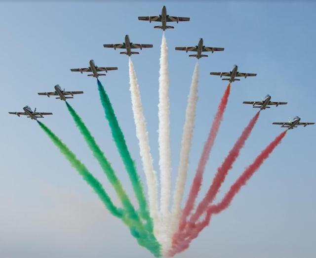 I follower dell'Aeronautica Militare potranno virtualmente anche salire a bordo degli aerei delle Frecce Tricolori