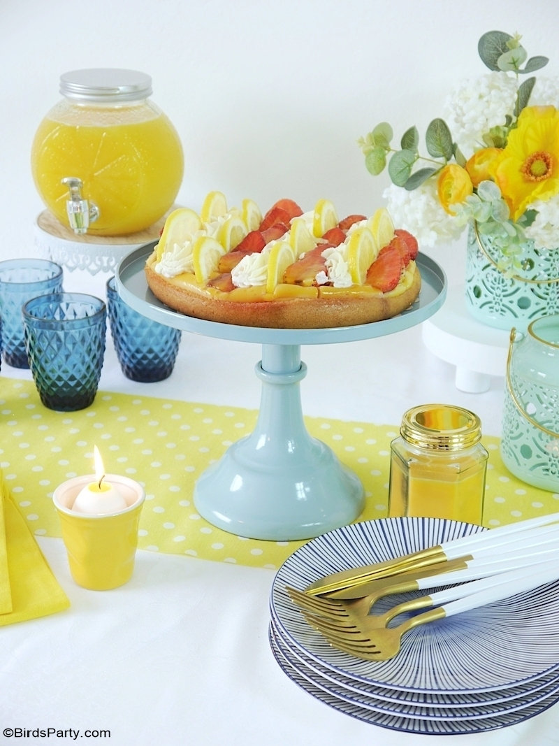 Easy Summer Décor & Tablescape Ideas - yellow, blue and inexpensive DIY and thrifty décor ideas to change up your home or table décor! by BirdsParty.com @BirdsParty #diy #decor #homedecor #diydecor #summerdecor #farmhousedecor #summertable #tablescape