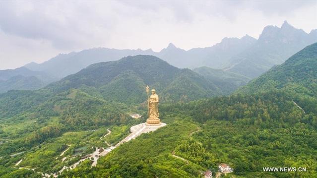 ภูเขาจิ่วหัวซาน (Mount Jiuhua: Jiuhuashan : 九华山)