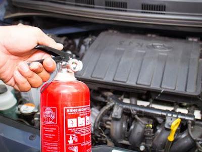 alat pemadam api mobil
