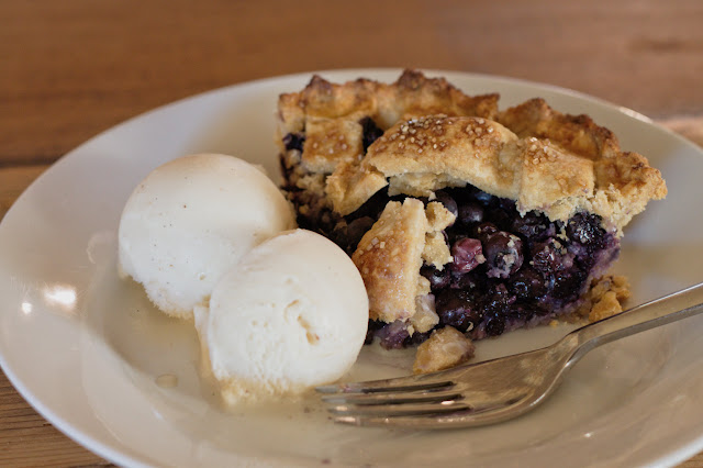 7-inch blueberry pie with ice cream