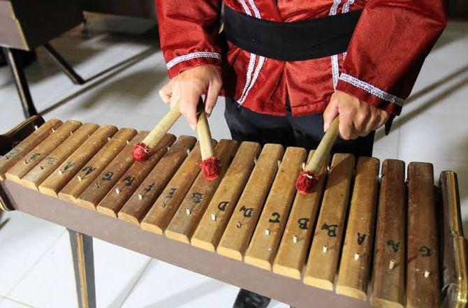 11 Alat Musik Tradisional Sulawesi Selatan Lengkap Dengan Gambarnya Mediasiana Com Media Pembelajaran Masakini