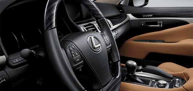LS460L đẳng cấp nhờ các công nghệ hiện đại trang bị trên xe