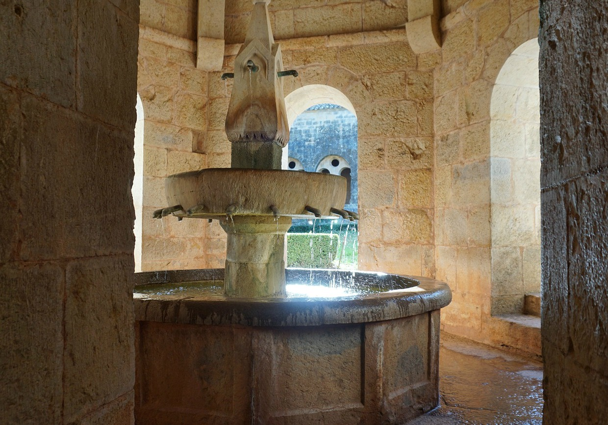 Le Thoronet Abbey washing fountain
