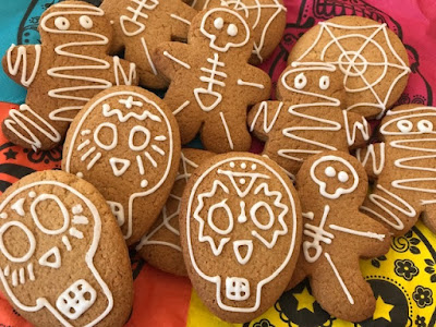 Halloween iced biscuits and cookies