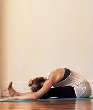 benefits of yoga 20 minute beginner yoga and meditation