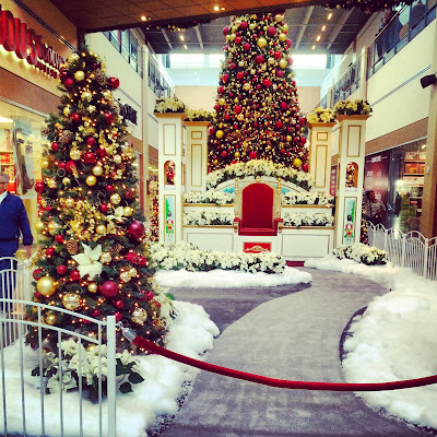 Christmas at The Outlets at Sands Bethlehem | Taste As You Go