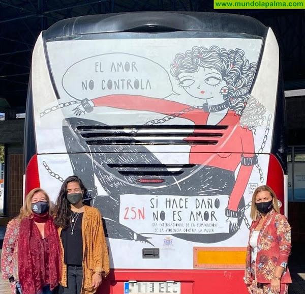 """La campaña de concienciación """"Si daña no es amor"""" de Los Llanos de Aridane cruza la Isla en guagua"""