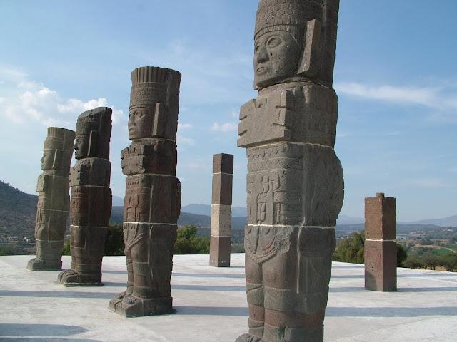 Tula de Allende es una ciudad mítica donde se mezcla la belleza del periodo colonial y la herencia de la época prehispánica, el nombre Tula proviene del náhuatl Tollan, que significa 'junto al tular'.