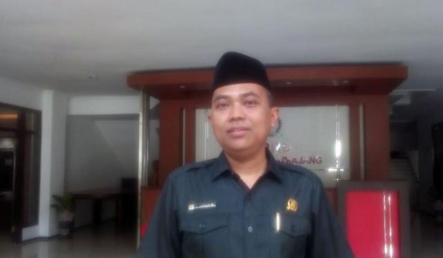 Wakil Ketua DPRD H. Akhmat