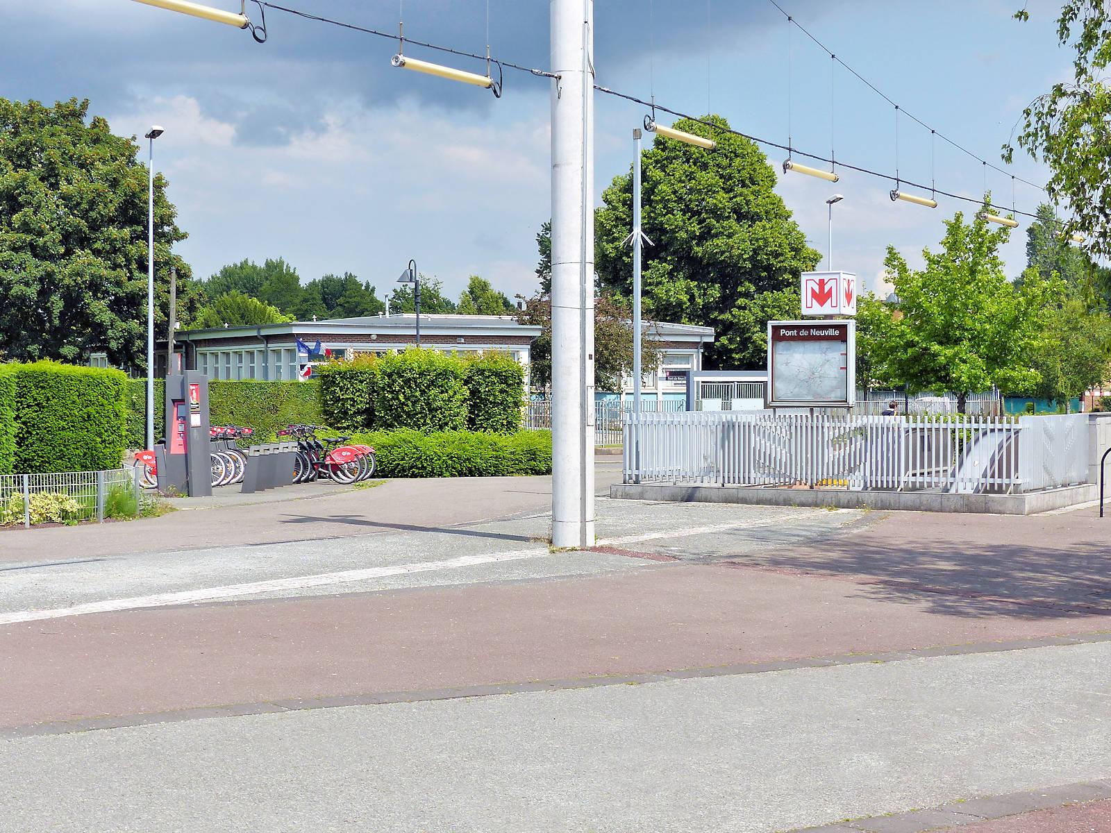 École Paul Claudel, Tourcoing - Métro Pont de Neuville
