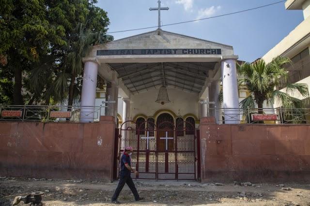 Cristãos em aldeia indiana espancados, forçados a se reconversar às religiões tribais