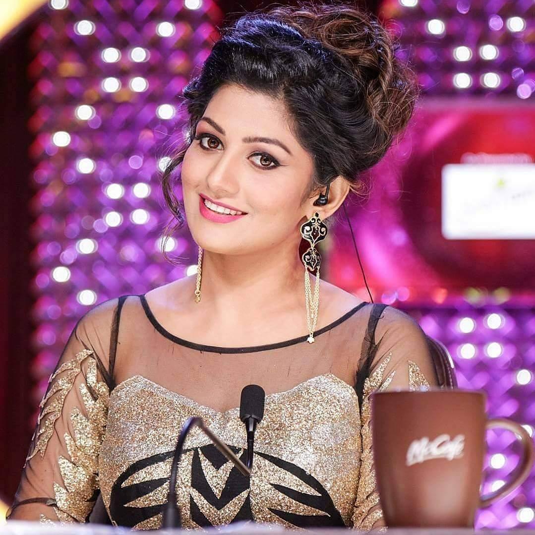 Actress Radhika Kumaraswamy Photos and HD Stills