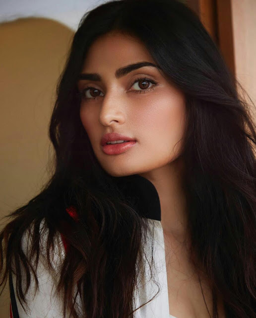 Athiya Shetty HD Hot Wallpaper Download