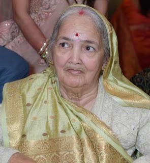 एमएलसी बृजेश सिंह प्रिंसू की माता का निधन   #NayaSaberaNetwork