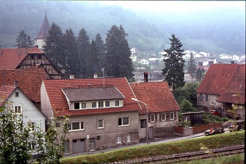 gv lichtenstein 1971 haus herrlichkeiten neben der b312 eisenbahn. Black Bedroom Furniture Sets. Home Design Ideas