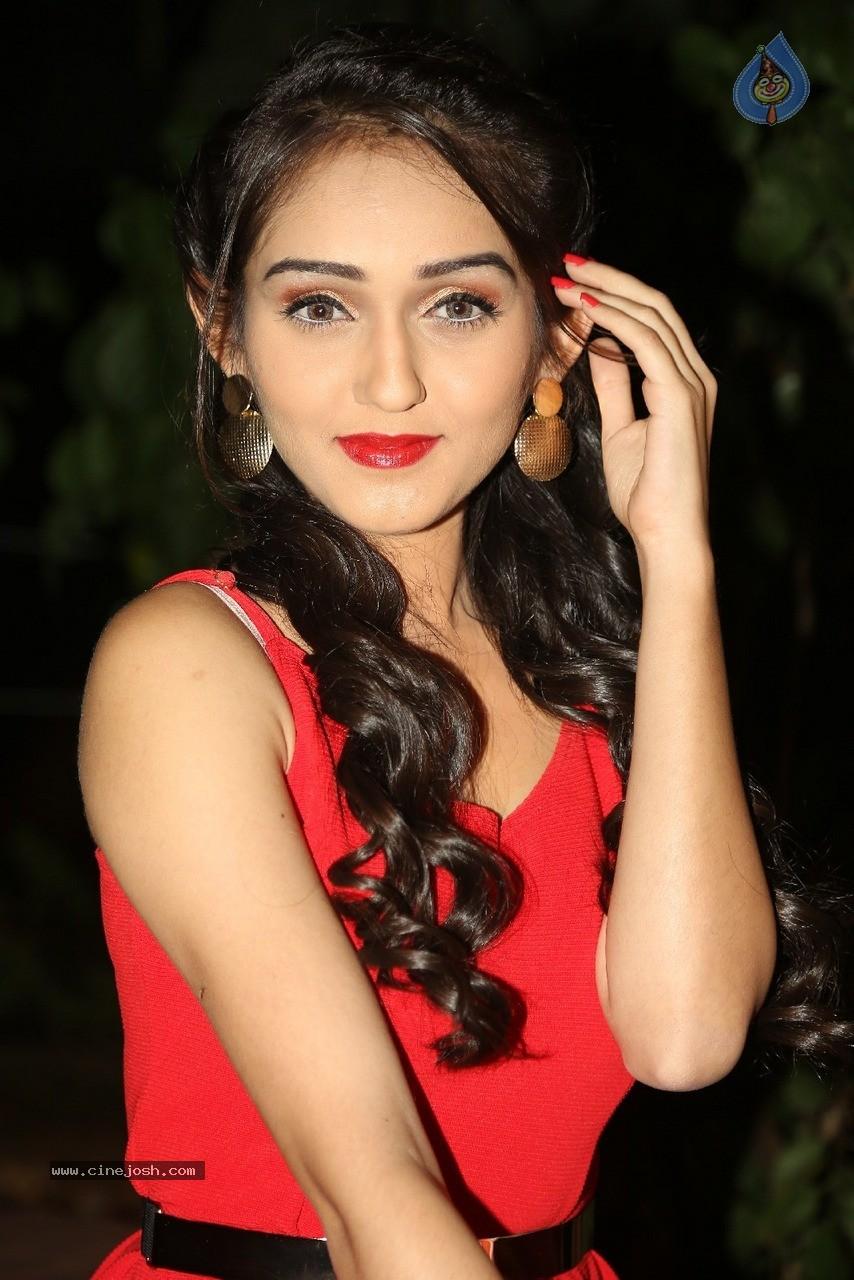 Biodata Tanya Sharma Pemeran Meera Di Sinetron India Gopi
