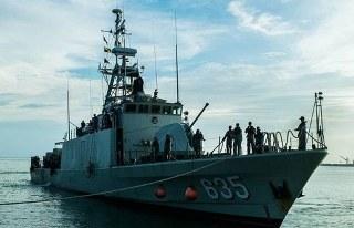 Sabtu malam Panglima Armada Timur Pangarmati Laksda Darwanto memimpin pembahasan pencarian 4 Anak Buah Kapal atau (ABK) KRI Layang 635 yang hilang, keempatnya dilaporkan hilang sejak tanggal 14 Desember 2016