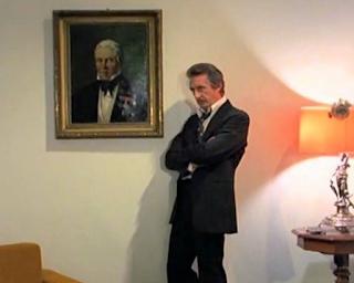 kadr z serialu Czterdziestolatek