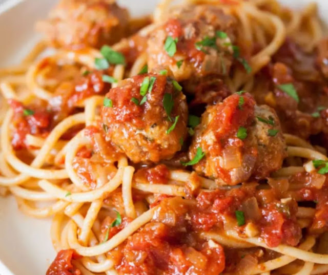How To Make Meatballs: The Easiest, Simplest Method