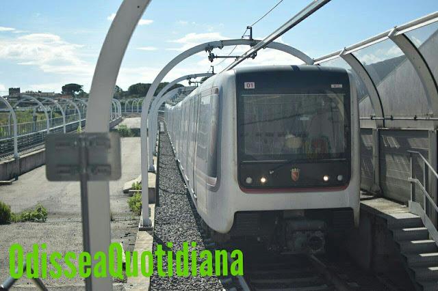 Roma, terrore sulla Metro C: prima ferma il traffico correndo sui binari poi minaccia i passeggeri