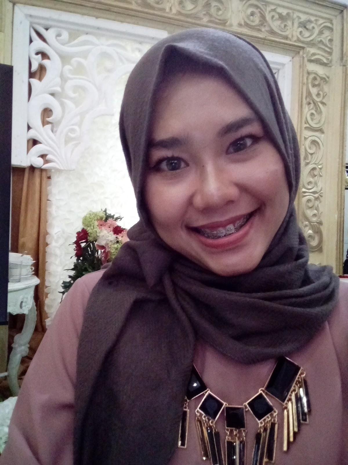 Warna Jilbab Yang Itu Itu Aja