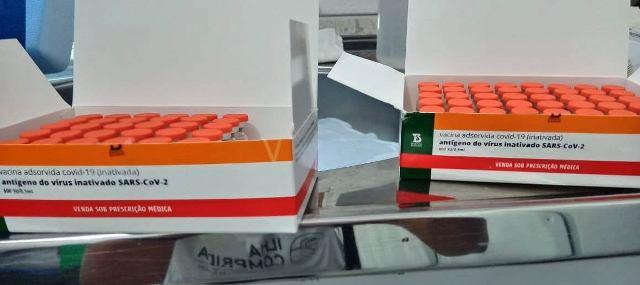 Saúde da ilha recebeu novas 130 doses de Coronavac para a sequência da vacinação dos profissionais de saúde