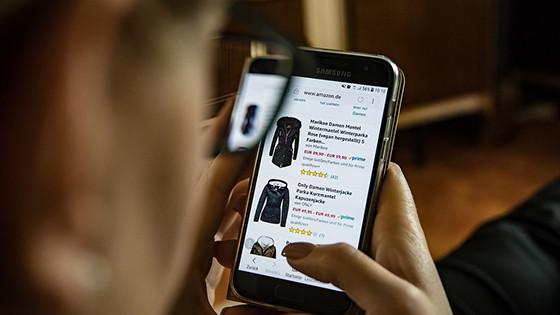Cara Bisnis Online Baju Ala Anak Muda Paling Menguntungkan Saat Ini!