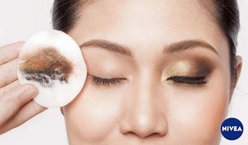 Yakin Masih Malas Membersihkan Make Up?