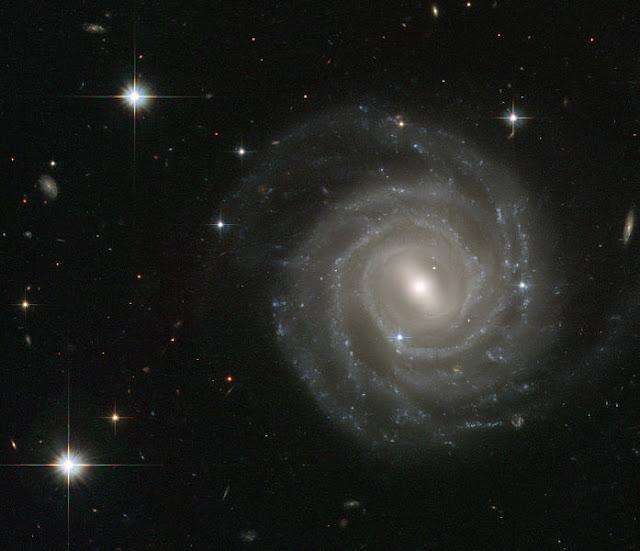 photo galaksi UGC 12158 mirip gambar tata surya
