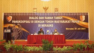 Kasrem 174/ATW Hadiri Acara Dialog Pangkoopsau III Dengan Tokoh Masyarakat Papua*