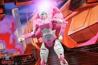 Transformers Kingdom Arcee 16