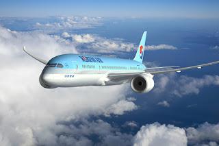 Máy bay Korean Air trên bầu trời