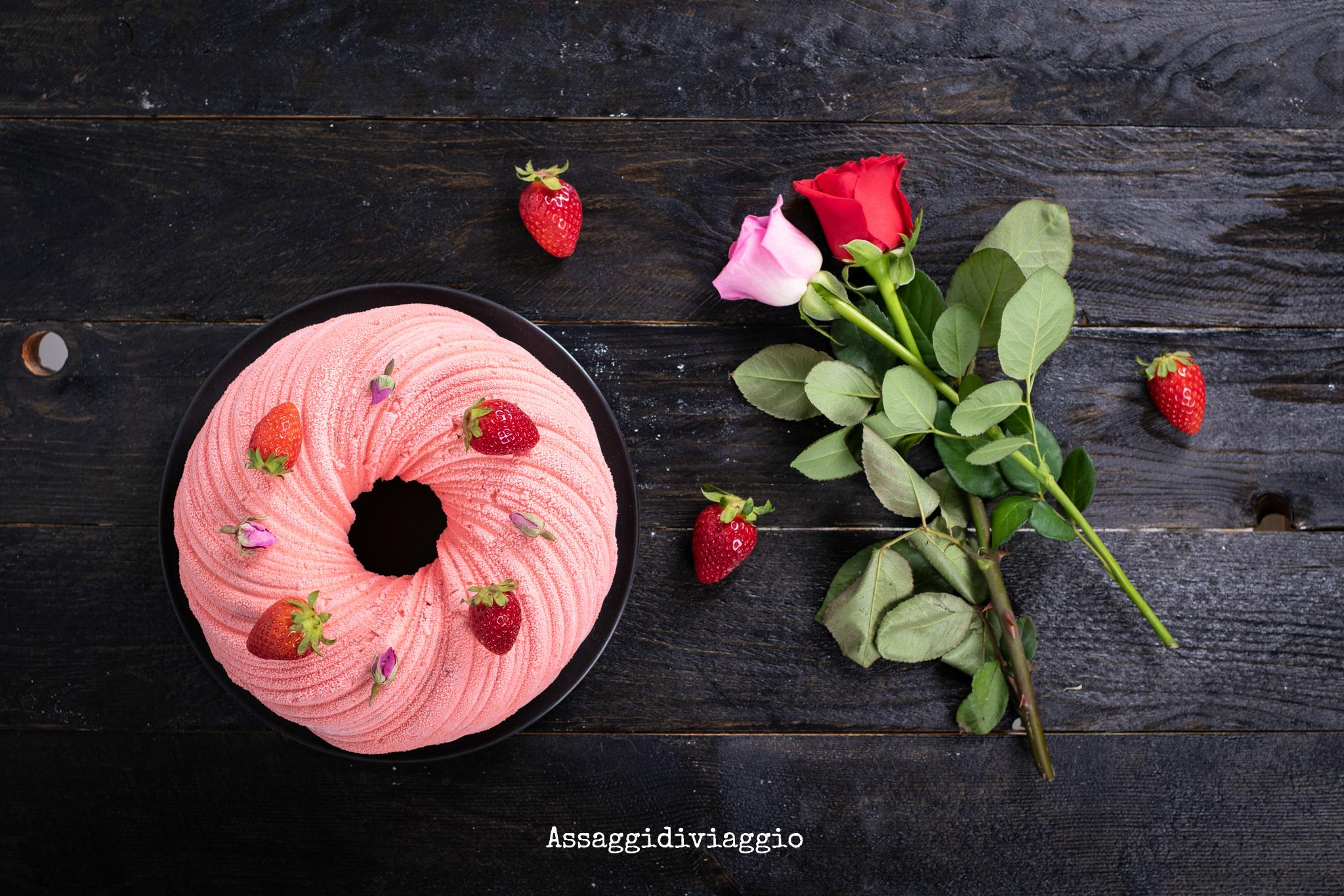 Torta intreccio di rose e fragole