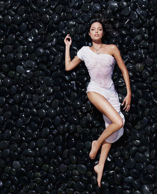 """Angelina Jolie, a """"bocuda"""" mais sexy do mundo faz 40 aninhos!"""