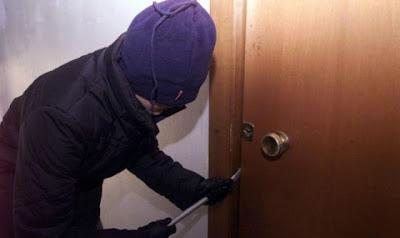 Σύλληψη για απόπειρα κλοπής από οικία στην Κατερίνη.