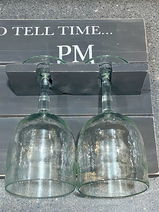 Stenciled How to Tell Time Pallet Sign for wine glasses