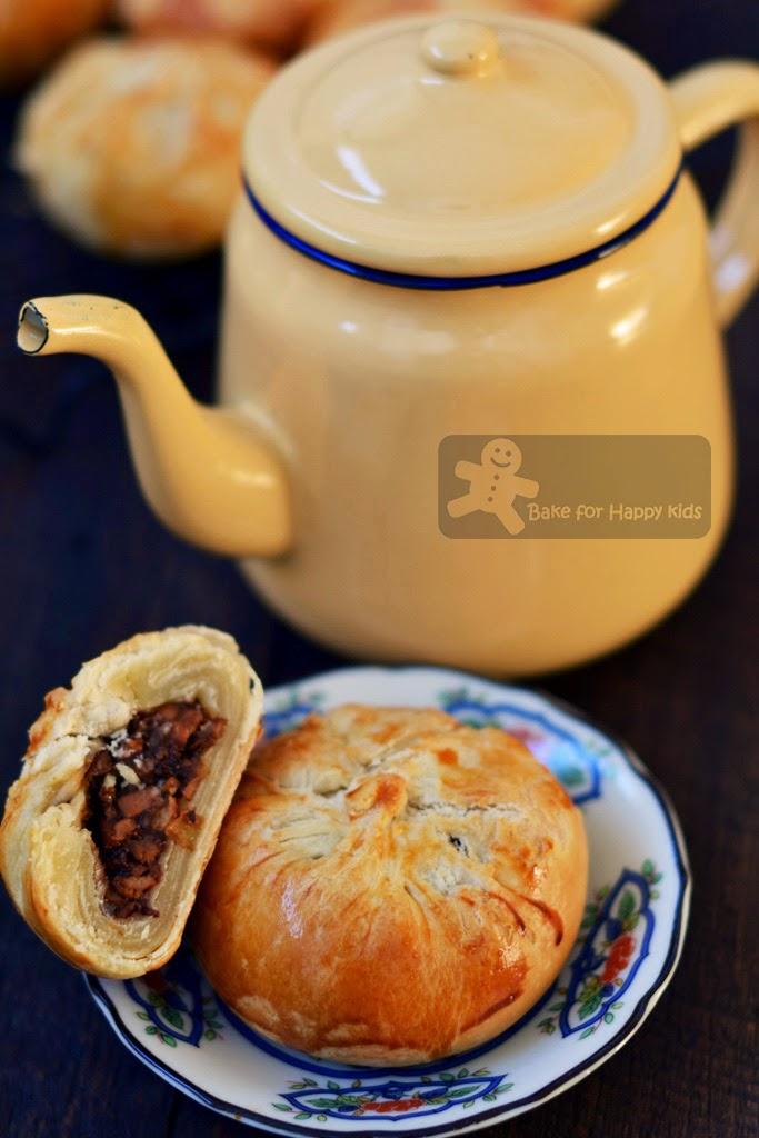 baked Chinese char siu Buns char siew shao bao 烧包