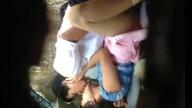คลิปไทย นักศึกษาหนุ่มแอบล่อหีครูสาวหลังโขดหินริมน้ำตก โดนแอบถ่ายไว้ได้