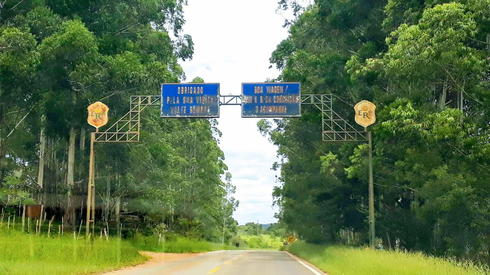 Portal de boas vindas e boa viagem da cidade de Prados