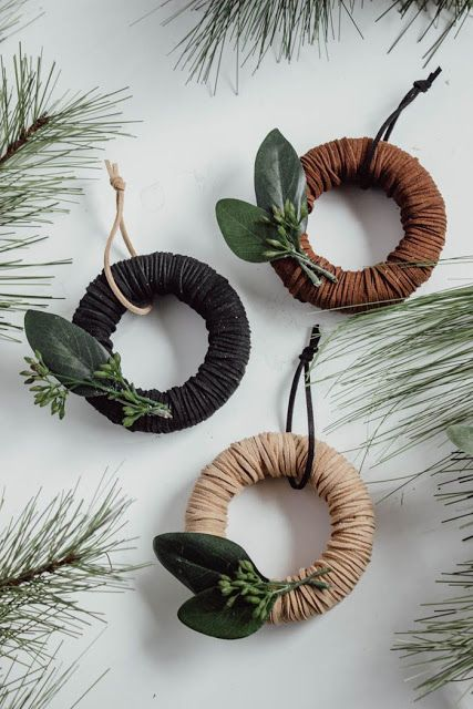 DIY Mini Wreath Christmas Ornaments