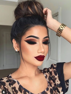 Red Dress Prom Makeup Ideas - smoky eyes