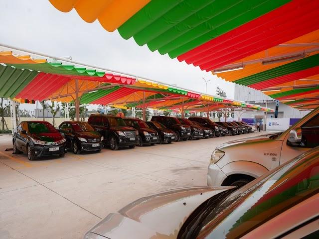 """VinFast mở thêm siêu thị xe Smart Solution và chương trình """"Đổi cũ lấy mới"""" tại TPHCM"""