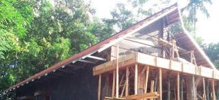Atap pelana variasi over reng