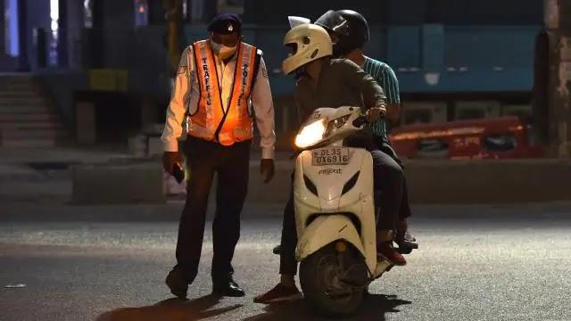 UP में शनिवार रात 8 बजे से लगेगा 35 घंटे का कोरोना कर्फ्यू , जानें किसे मिलेगी छूट