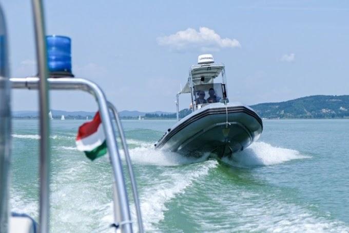 Csak tegnap 8 embert kellett kimenteni a Balatonból