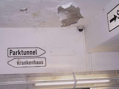 Überwachungskamera in der Bahnhofsunterführung Traunstein