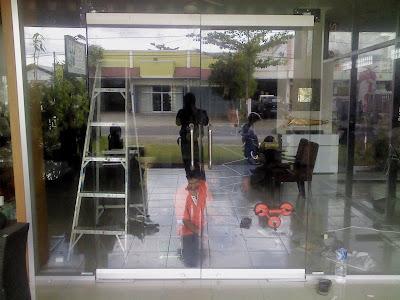 Pintu Frameless